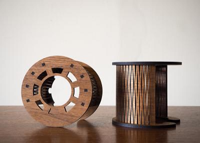 木素材のカーフベンディング加工による大槌の新しい地域ブランド品の開発と販路の構築(ドリッパースタンド)